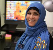 Rawafid er rektor ved skolen, og sitter i skolens styre. Hun underviser også i arabisk.